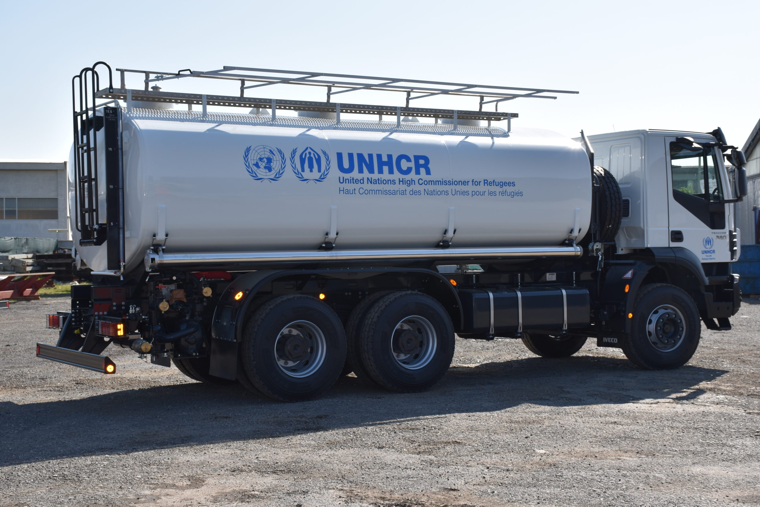 Water_tanker_for_UNHCR_truck_