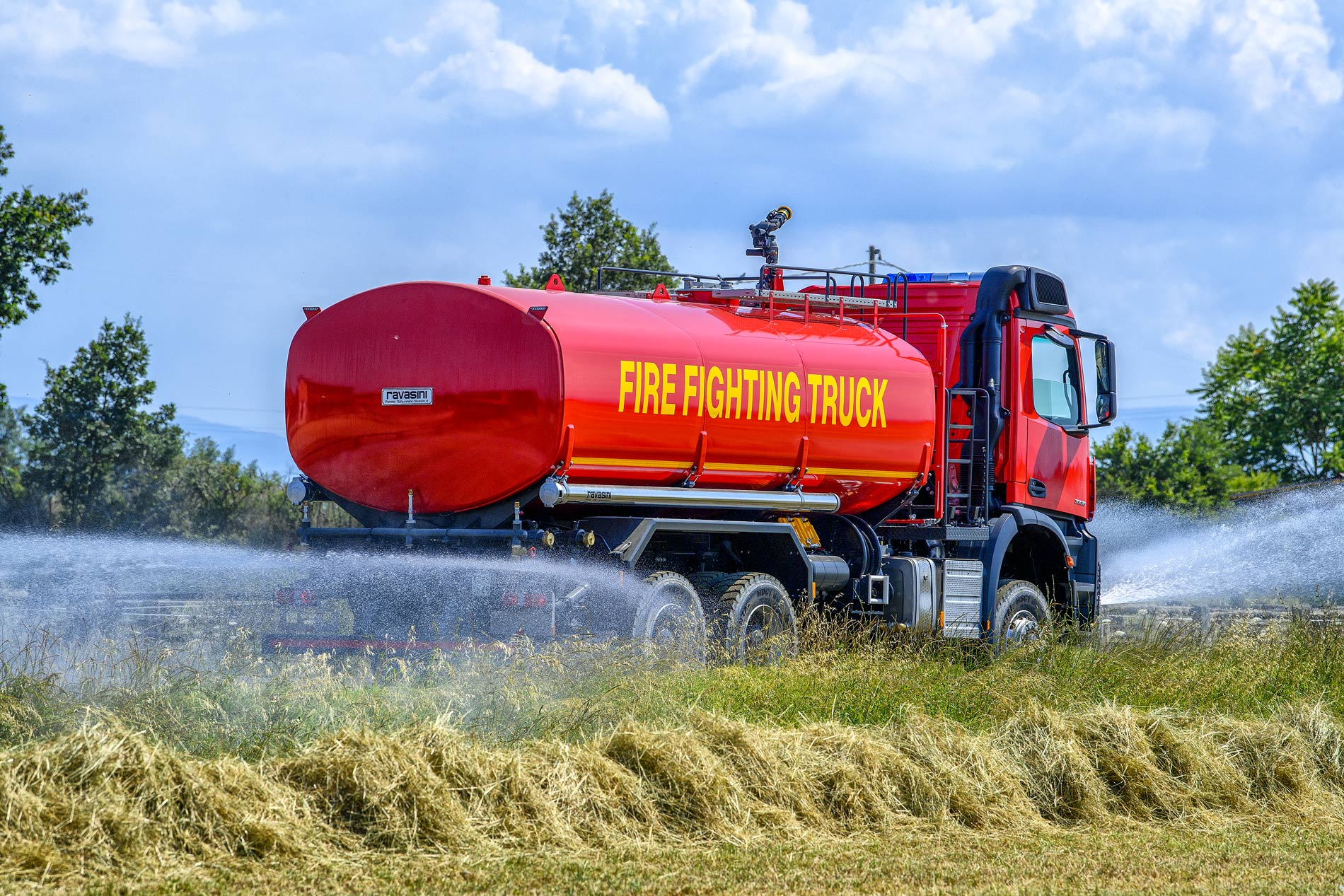 Ravasini_fire_fighting_tank_truck
