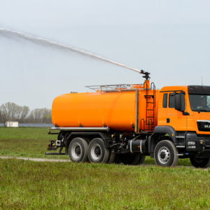 water_tanker_on_man